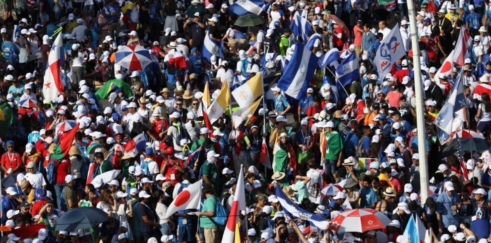 La misa inaugural de la JMJ reunió a más de 150 mil personas