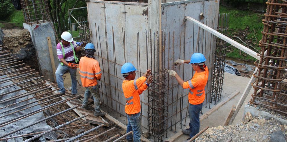 Puente elevado de la UTP lleva un 33% de avance