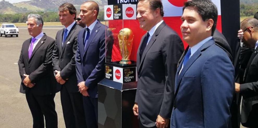 Trofeo de la Copa Mundial de la FIFA llega a Panamá