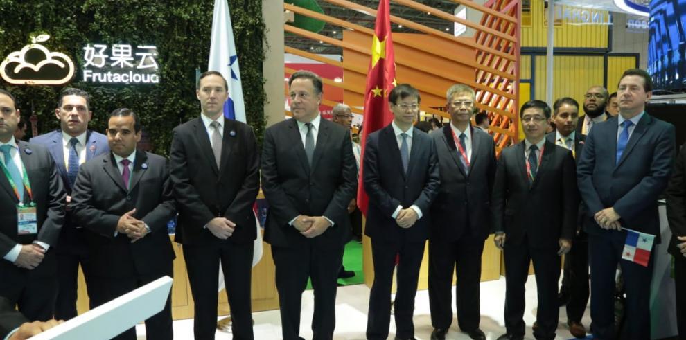 Varela presentó las ventajas de Panamá como conexión del comercio mundial