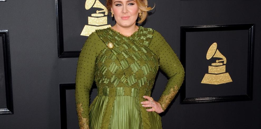 Adele pagó toda la boda de su amigo Alan Carr