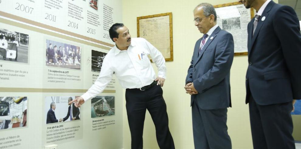 Embajador de Emiratos Árabes visita 'La Decana'.