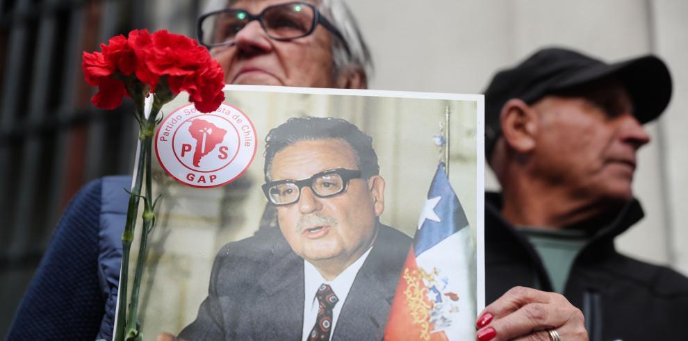 Rinden homenaje a Allende tras 45 años del golpe de Estado en Chile