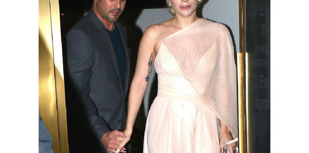 Taylor Kinney no podría estar más 'orgulloso' de su ex Lady Gaga