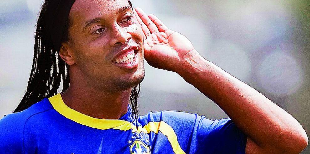 Ronaldinho volverá a las canchas