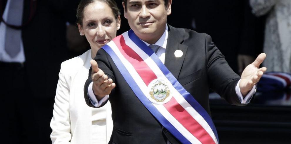 Alvarado jura como el nuevo presidente de Costa Rica