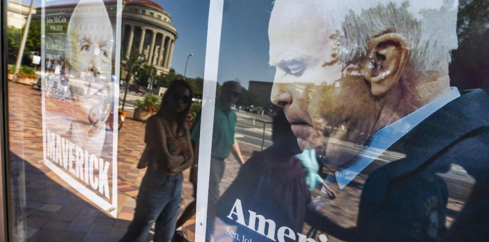 Estados Unidos se tiñe de luto por la muerte del senador John McCain