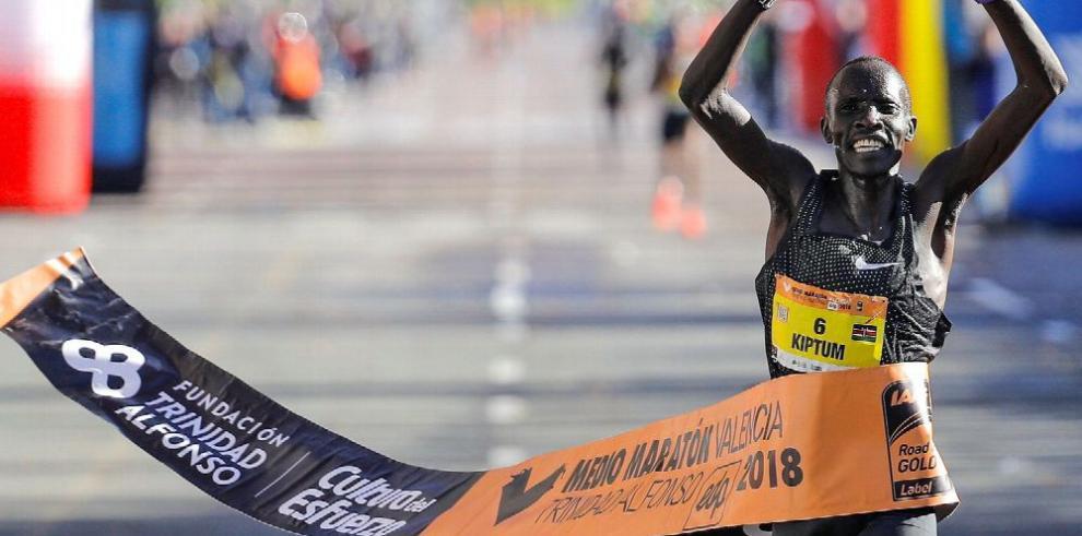 Kiptum bate el récord del mundo de medio maratón