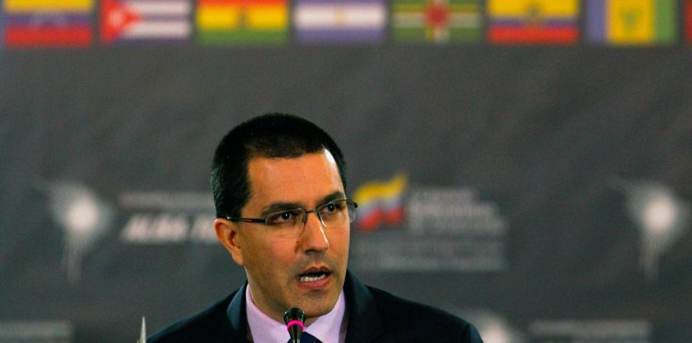 Canciller venezolano asegura que diálogo continuará pese a torpedeo de EEUU