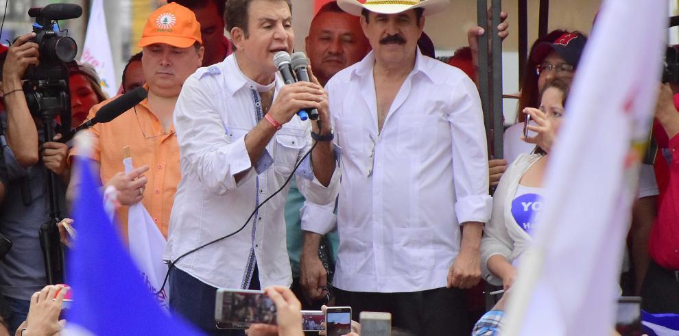 Nasralla dice en protesta que se debe impedir toma de posesión de Hernández