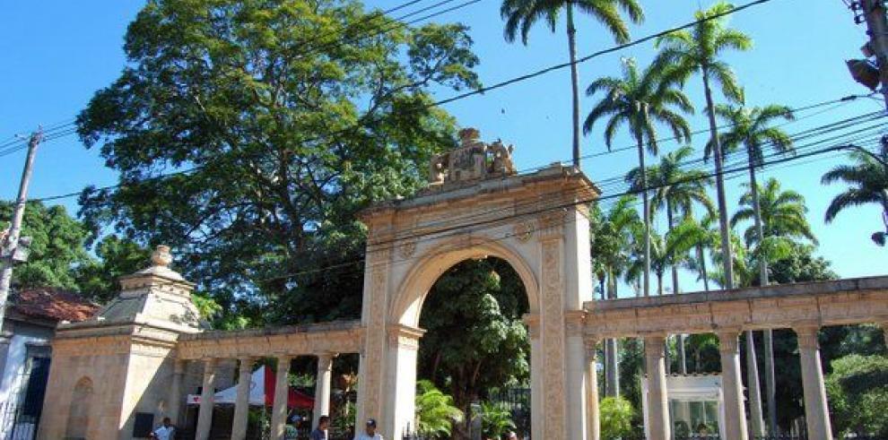 Tiroteos con cuatro muertos obligan a evacuar y cerrar el zoológico de Río