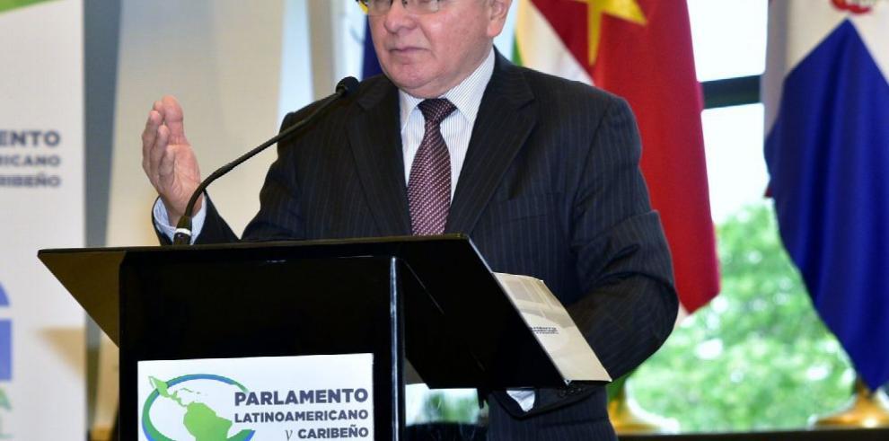 Parlatino está en la Cumbre Iberoamericana