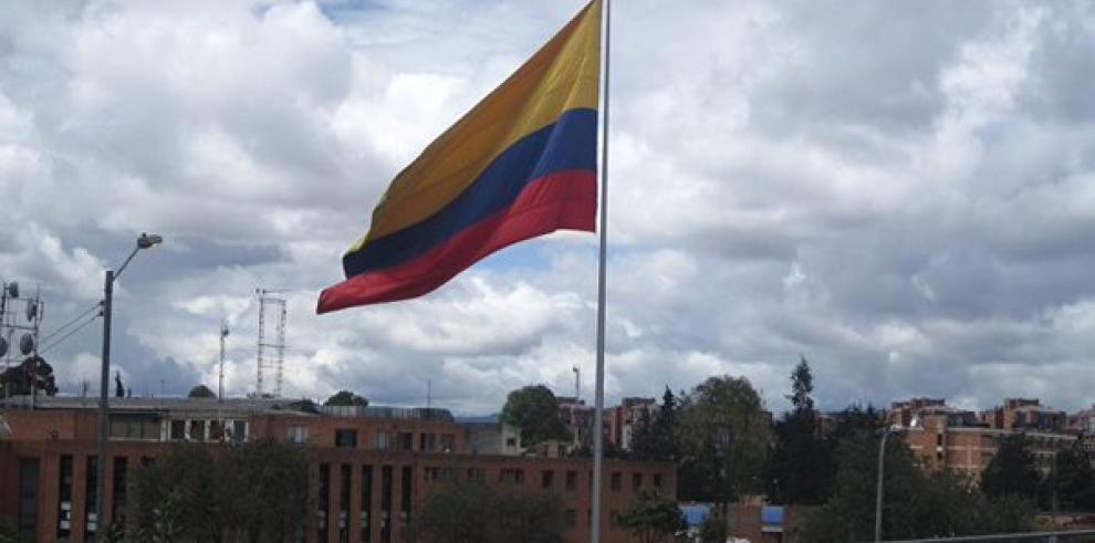 Indígenas colombianos firman acuerdo con Gobierno y regresan a sus tierras