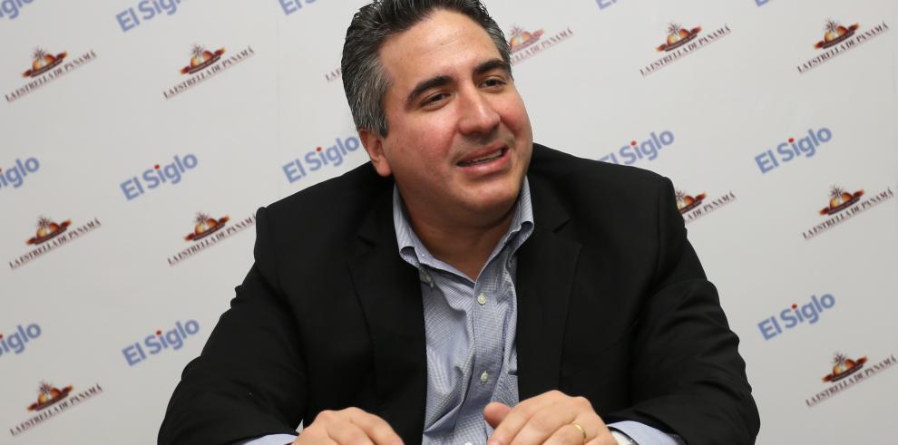 'En Panamá debe ganar la democracia y no el clientelismo' expresóMadariaga