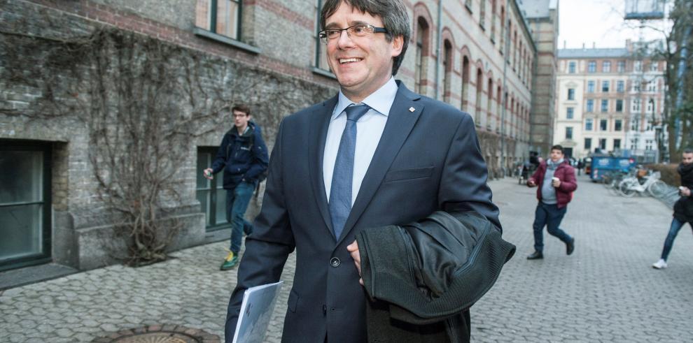 Puigdemont pedirá permiso al juez para asistir al debate de su investidura