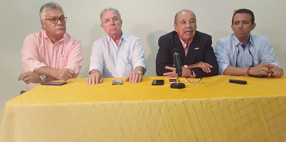 """Francisco""""Paco""""Valcárcel en franco convivio con el boxeo panameño"""