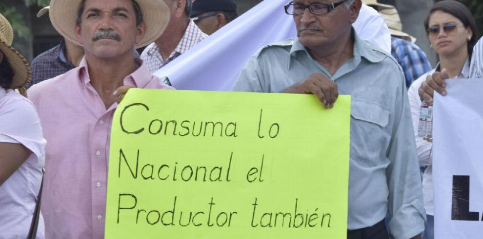 Productores convocan paro ante 'asfixia' del control de precios
