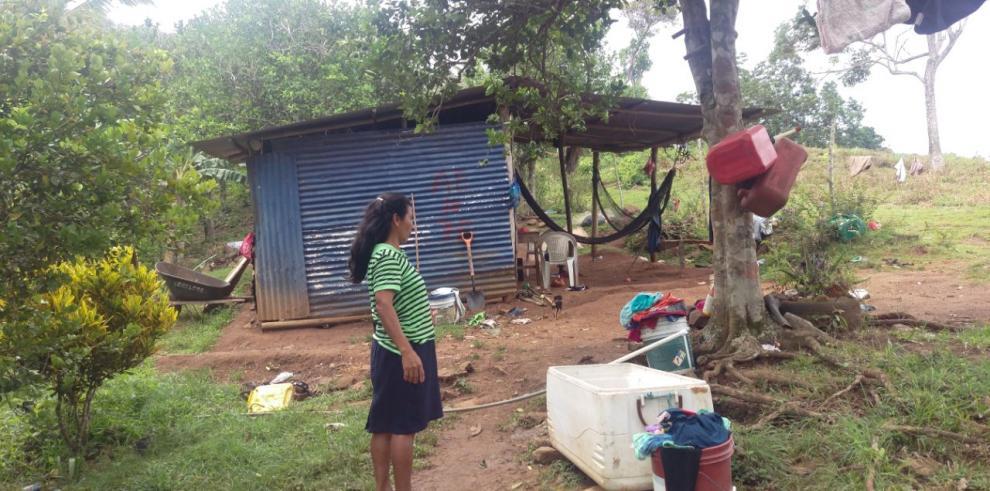 Evalúan a familias de Capira para beneficiarlas con Techos de Esperanza
