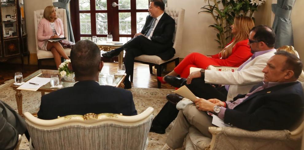 Presidente Juan Carlos Varela se reúne con Yanibel Ábrego