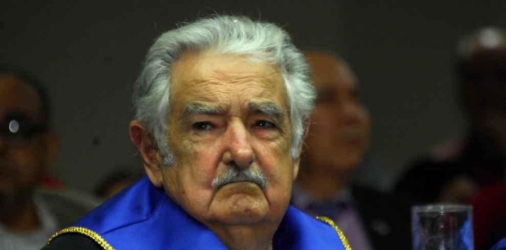 Mujica afirma que las derrotas de la izquierda son