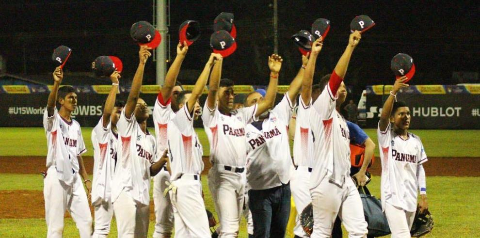 Panamá derrotó 3-2 a República Dominicana