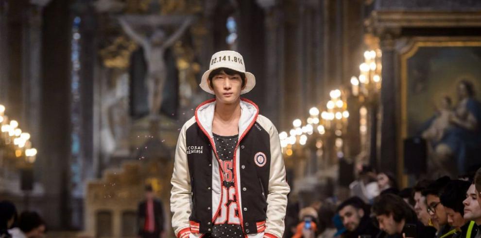 Rap, religión y deporte invaden la pasarela de hombre