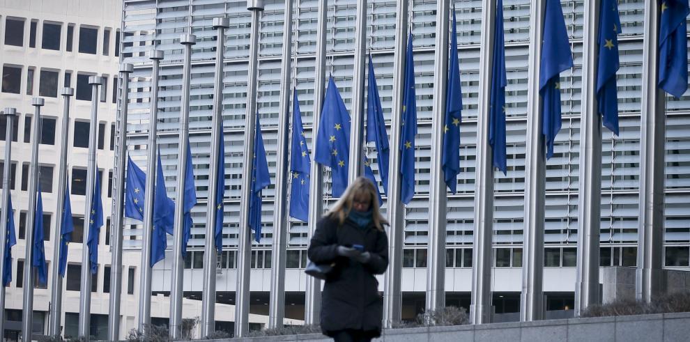 CE pide publicar los compromisos que permitirán a países salir de lista negra