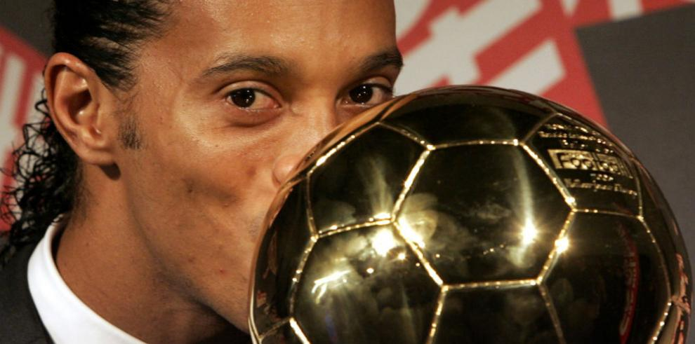 El legado de Ronaldinho, uno de los grandes del fútbol mundial