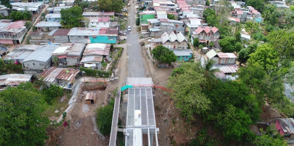 El nuevo puente en Santa Marta registra 84% avance físico