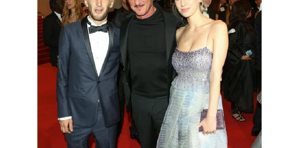 Detienen al hijo de Sean Penn y Robin Wright posesión de drogas
