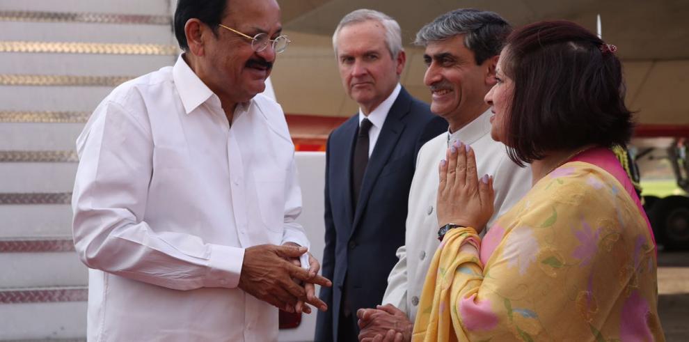 Álvaro Alemán recibió al vicepresidebte de la India