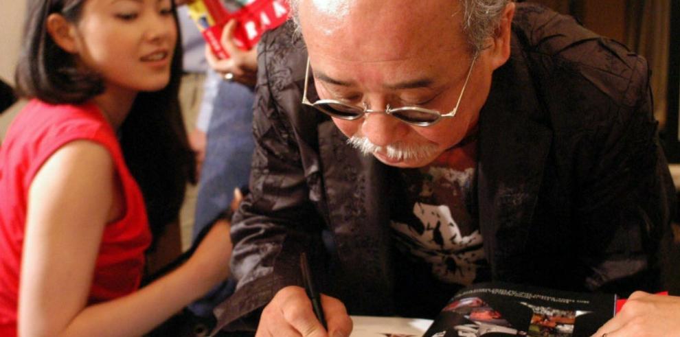 La musa de Araki se rebela contra el provocador fotógrafo japonés