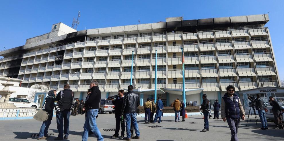 EE.UU. confirma que varios estadounidenses murieron en ataque a hotel de Kabul