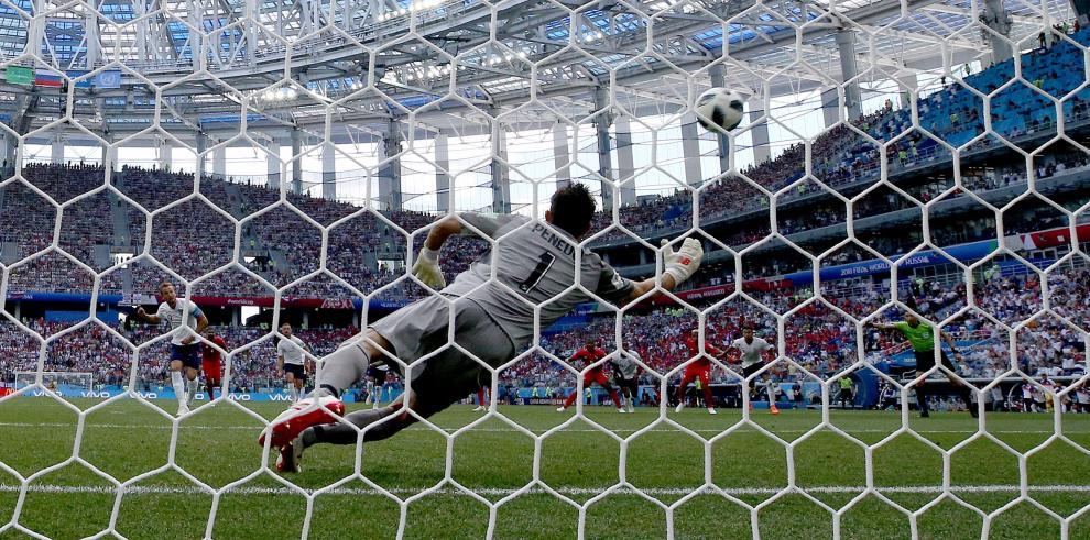 Inglaterra logra el triunfo ante Panamá