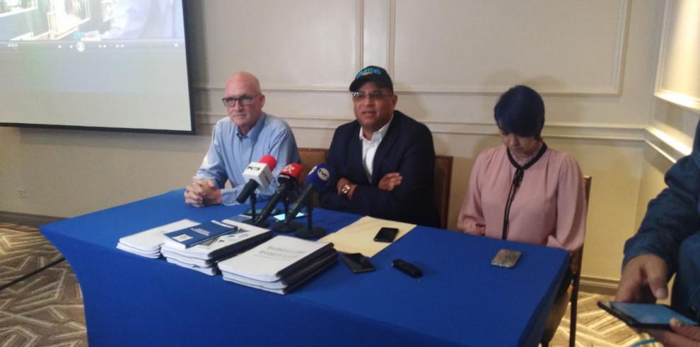 Dimitri Flores denuncia a autoridades electorales