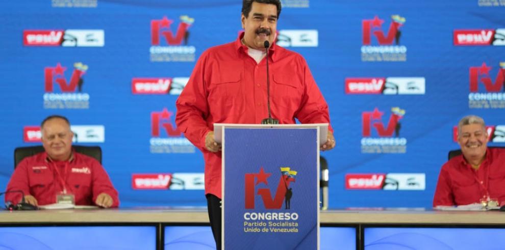 Maduro reconoce su 'responsabilidad' en la crisis económica de Venezuela