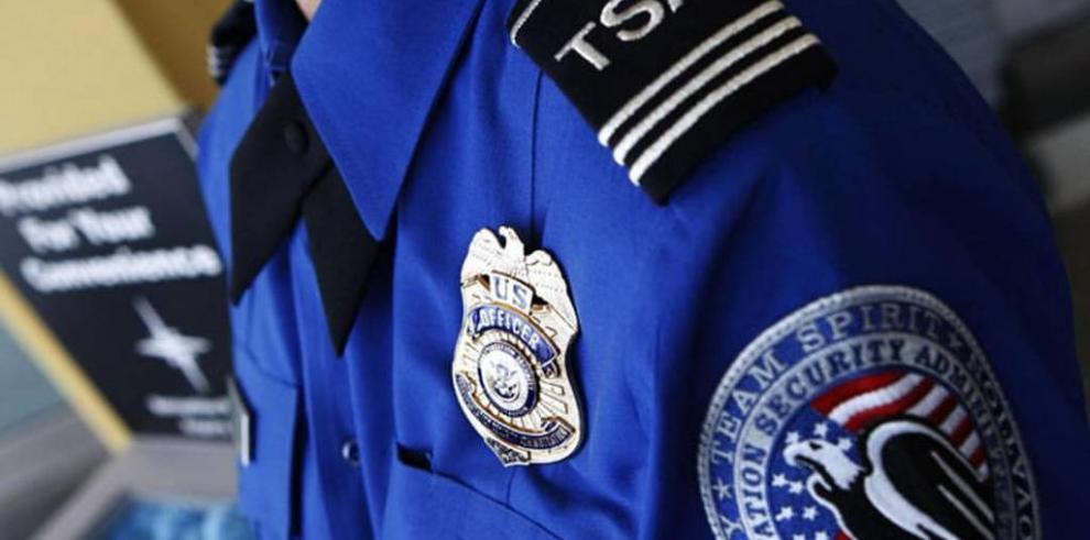 Aviación de EE.UU. investiga en secreto a sus ciudadanos durante los vuelos