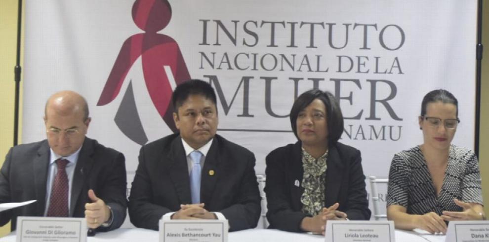 Inauguración del Instituto de la Mujer