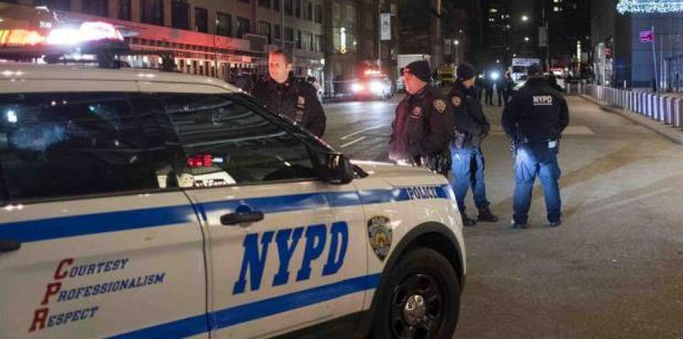 Video sobre arresto de mujer con un bebé desata polémica en Nueva York