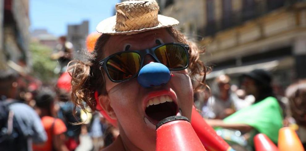 Payasos de todo el mundo reclaman en Río