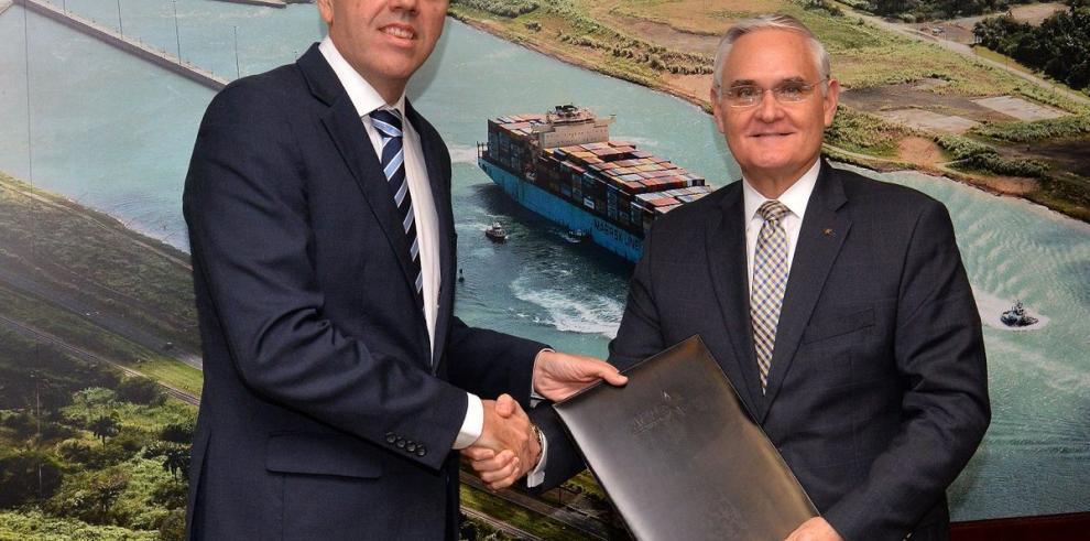 Canal de Panamá promueve con el puerto brasileño de Itaquí tránsito de granos