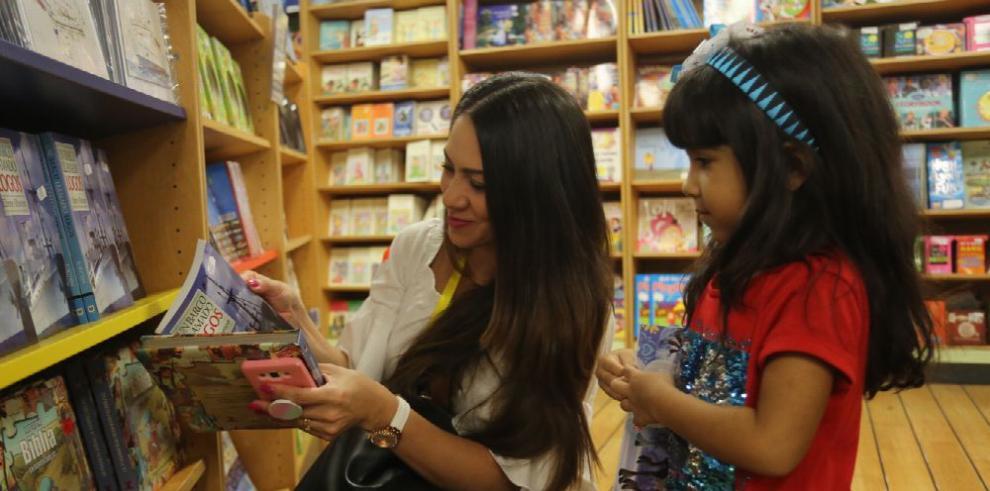 La nave literaria y cultural arriba a Panamá