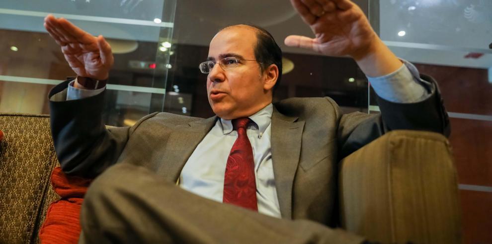 El 'Harvard boy', el hombre detrás de la campaña electoral contra Maduro
