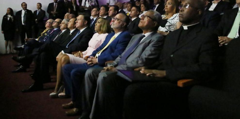 Varela llama a consultas para una asamblea constituyente