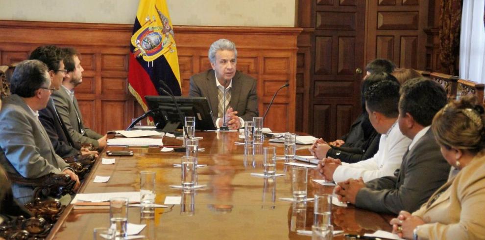 Cambios y ceses de cargos en Ecuador reflejan difícil tarea de estabilidad