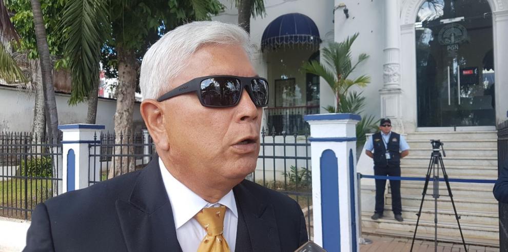 Exdiputado González acude al MP para aclarar situación legal
