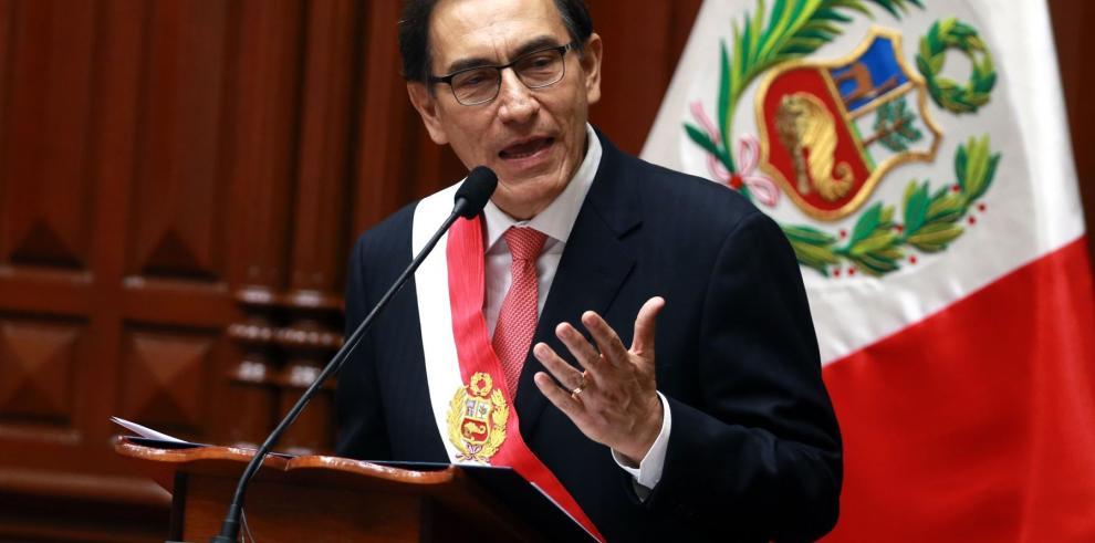 Nuevo presidente de Perú asegura que en ocho días anunciará nuevo gabinete