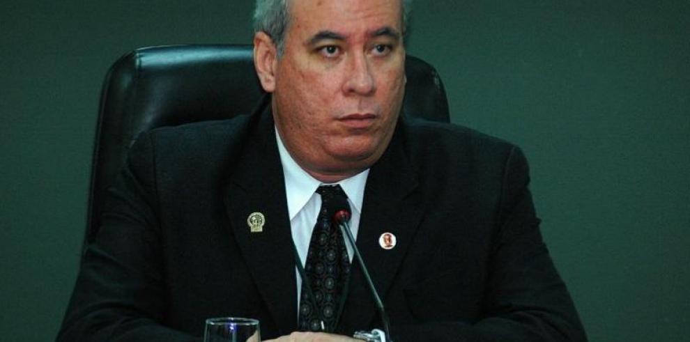 Magistrado Ayú Prado renuncia a la presidencia de la Corte