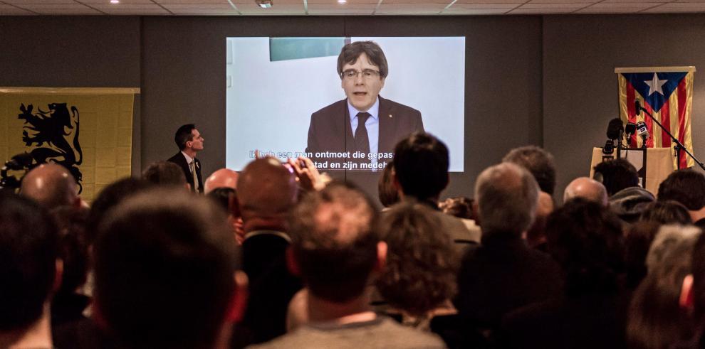 'Los nuestros nos han sacrificado', Puigdemont