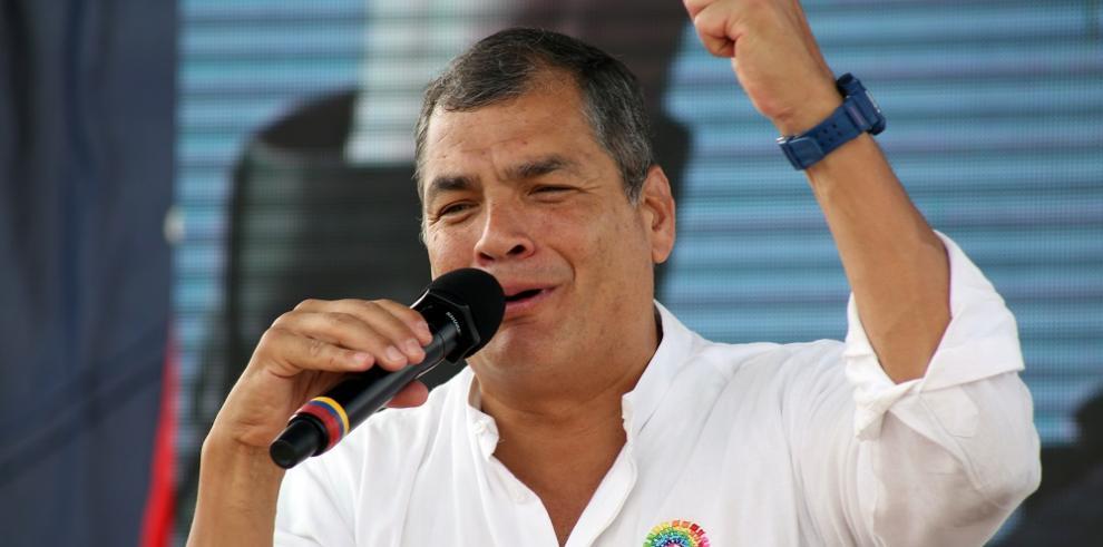 Fiscalía de Ecuador pide comparecencia de Rafael Correa por caso Petrochina